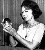 videnta Jeane Dixon 175x195 - Videntes famosos del mundo